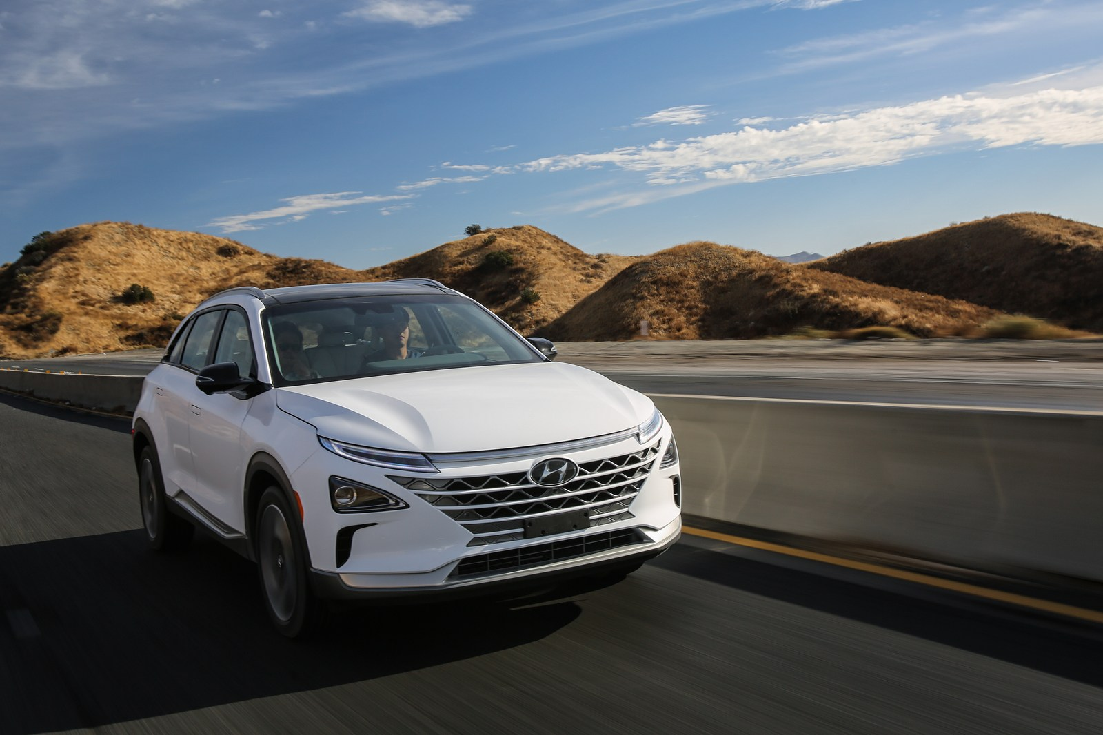 Hyundai Nexo на водород – 600 km со полн резервоар / ФОТО+ВИДЕО