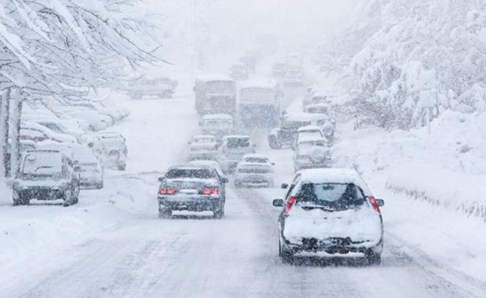 РСБСП: Важни совети како да го управувате возилото по снежни и замрзнати коловози!