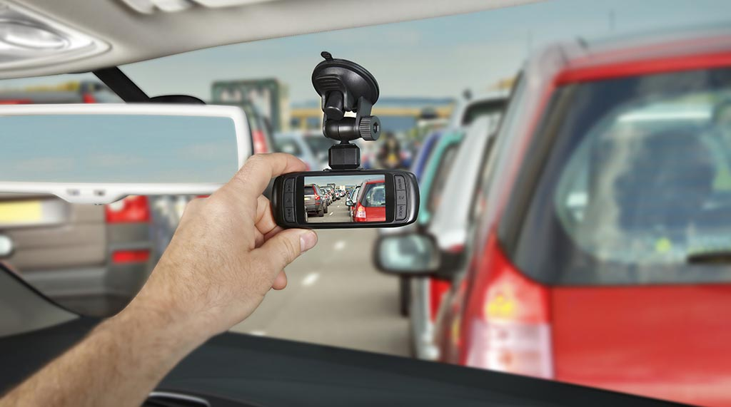 Зошто е добро да имате камера во автомобилот!