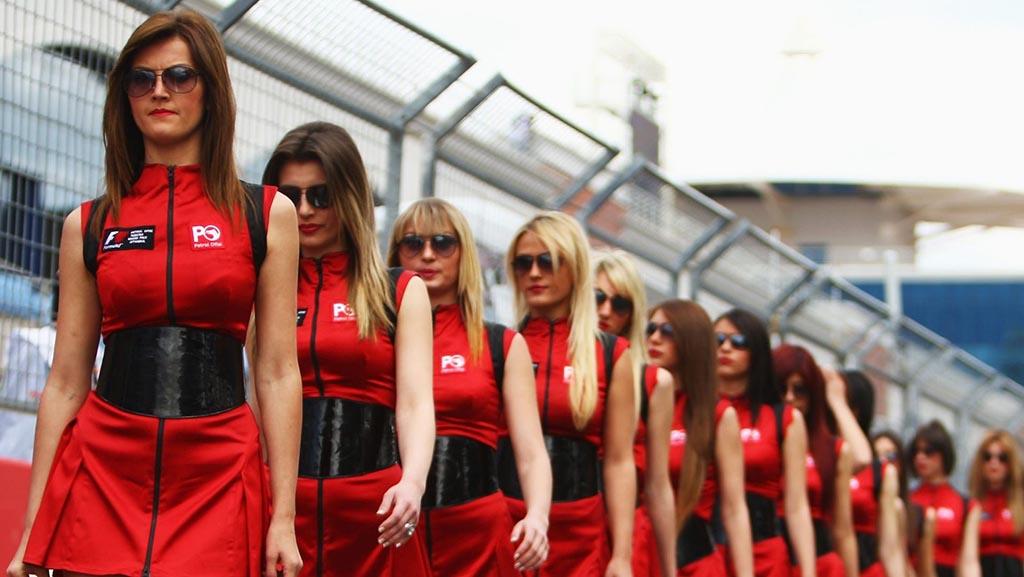 Наместо убави девојки – деца на стартот од F1 трките
