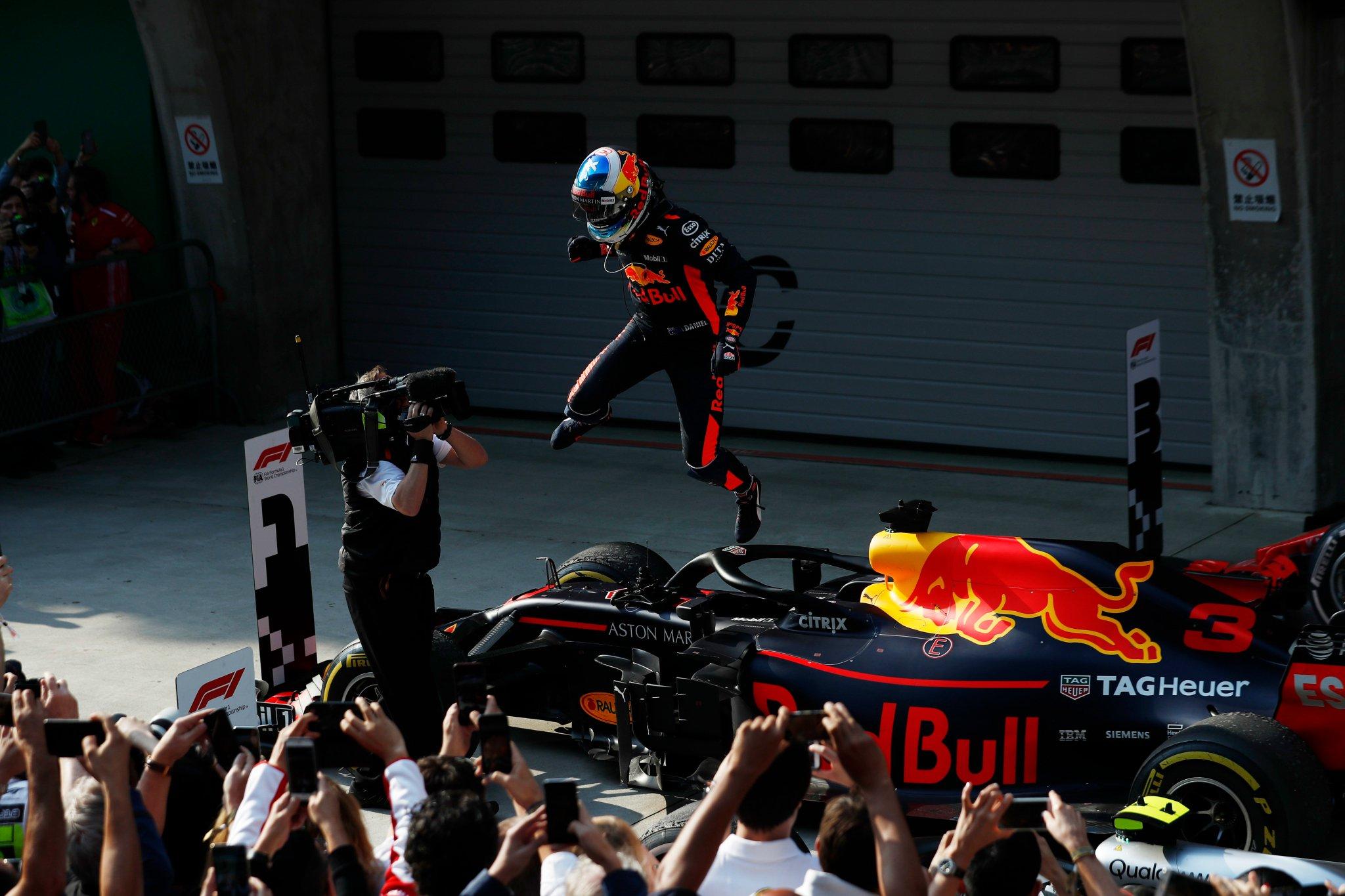 Formula 1 Кина 2018: Прва сезонска победа за Рикиардо и Red Bull