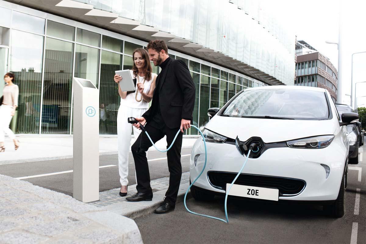 Електричните автомобили за Италијанците се моден детал?!