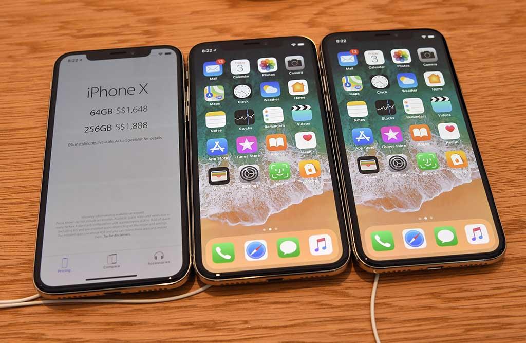 Apple подготвува iPhone со три камери и 5x оптички зум?!