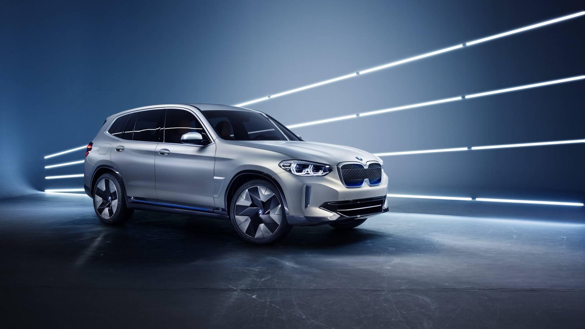 BMW iX3 – 400 km на струја / ФОТО+ВИДЕО