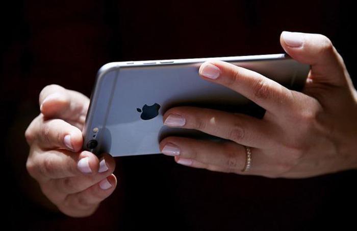 Apple ги доби најголемите ривали на суд