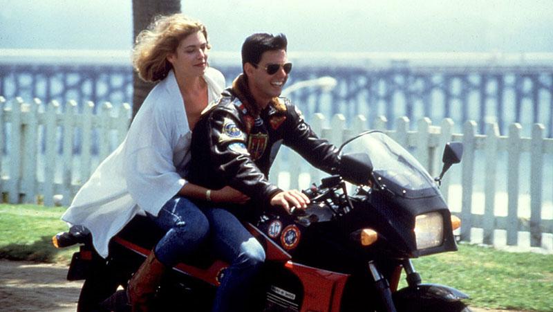 Том Круз во Top Gun 2 повторно на мотоцикл од Kawasaki