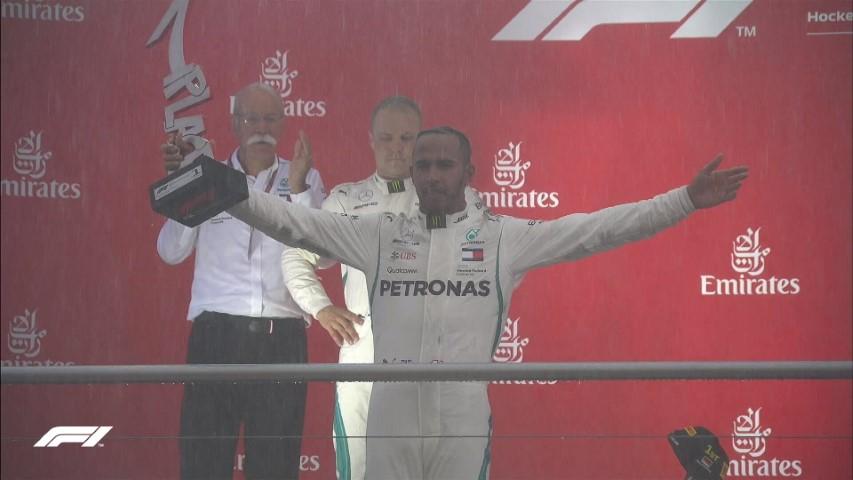 Formula 1: Фетел му подари победа на Хамилтон!