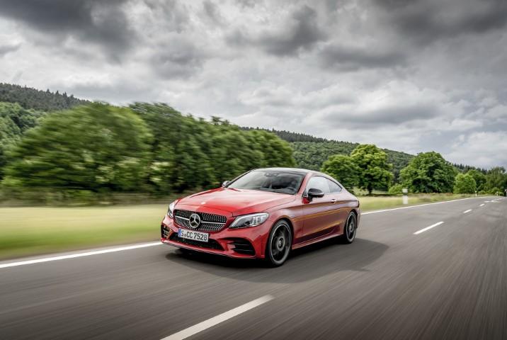 Mercedes го исфрла дизел моторот на Renault од C-класата
