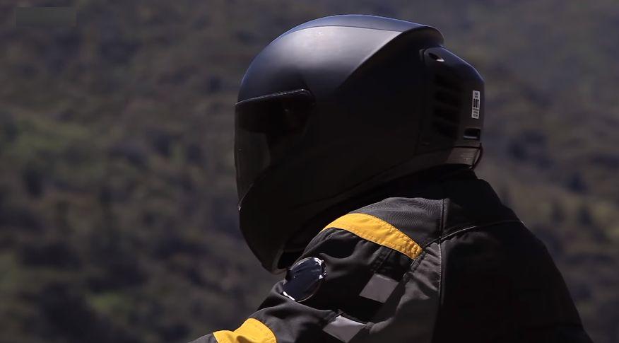 Спас за мотоциклистите – кацига со климатизација / ВИДЕО