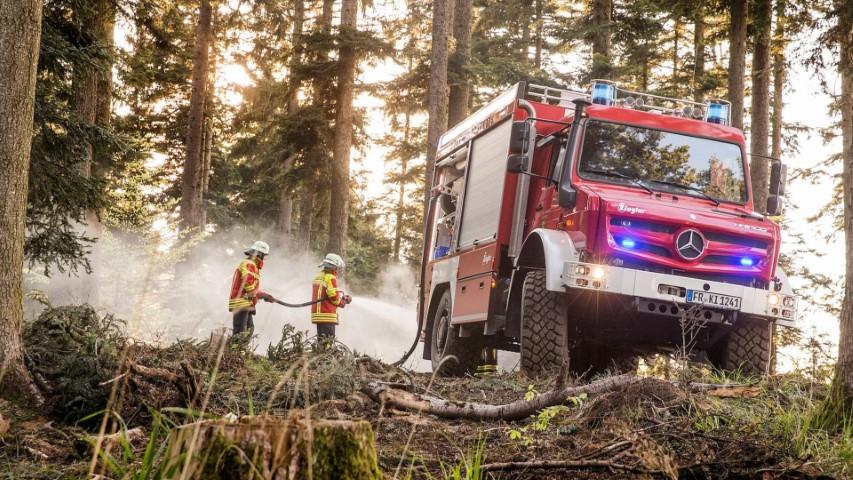Дали е ова е најдобриот камион во светот за борба против пожари?! / ФОТО+ВИДЕО