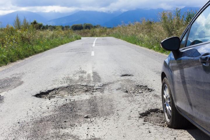 Вештачка интелигенција помага при откривање и поправка на дупки на патиштата