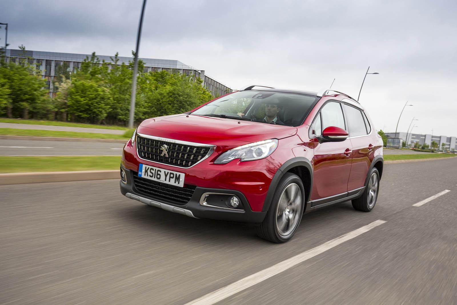 Новиот Peugeot 2008 ќе биде поголем, полесен и попривлечен