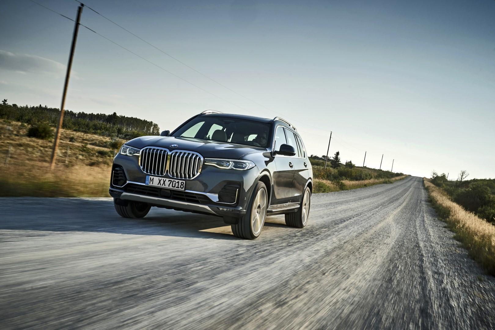 2019 BMW X7: Голем колку Cadillac Escalade, луксузен како Rolls Royce / МЕГА ГАЛЕРИЈА + ВИДЕО
