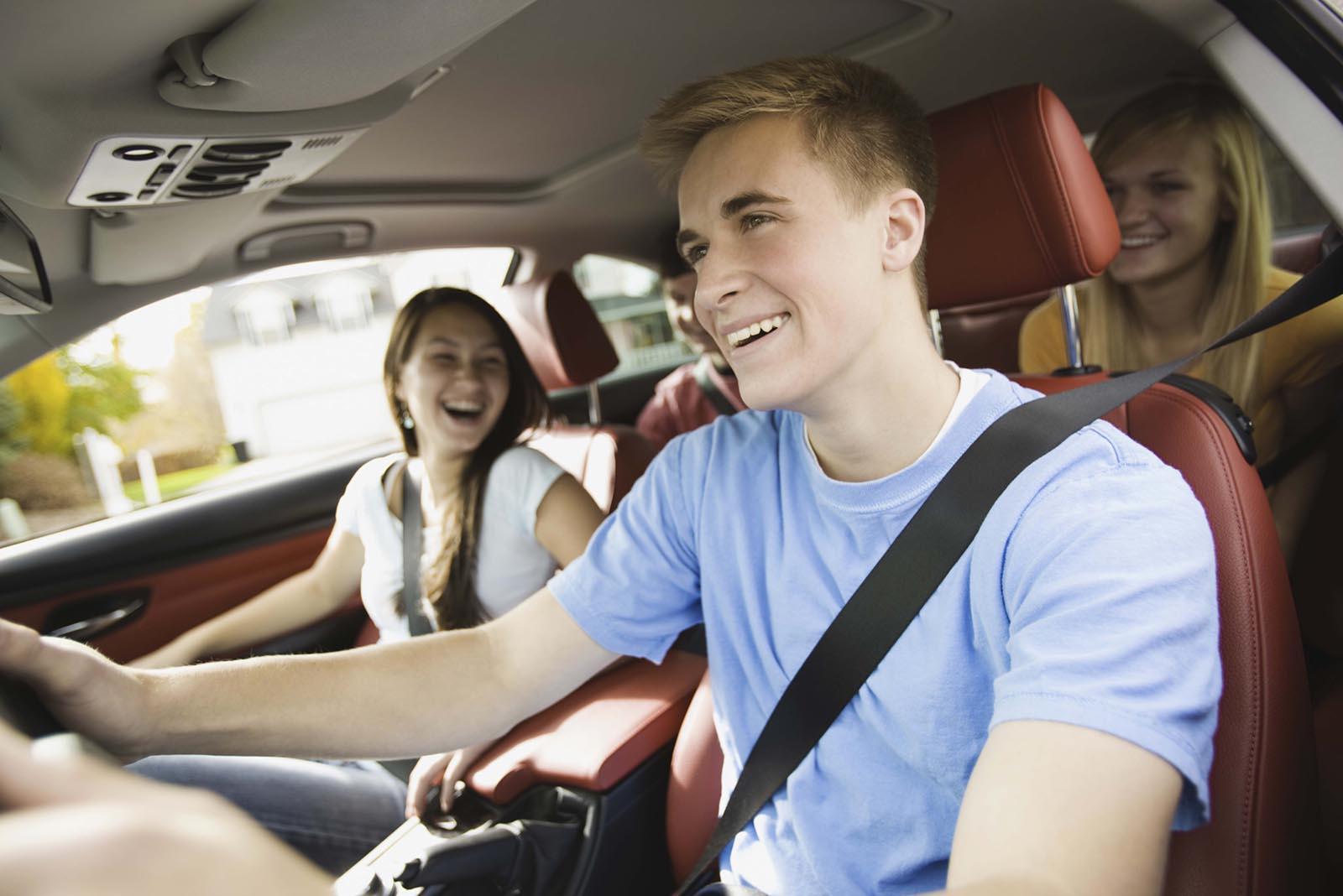 Истражување: На тинејџерите да не се дозволува да се возат со врсници