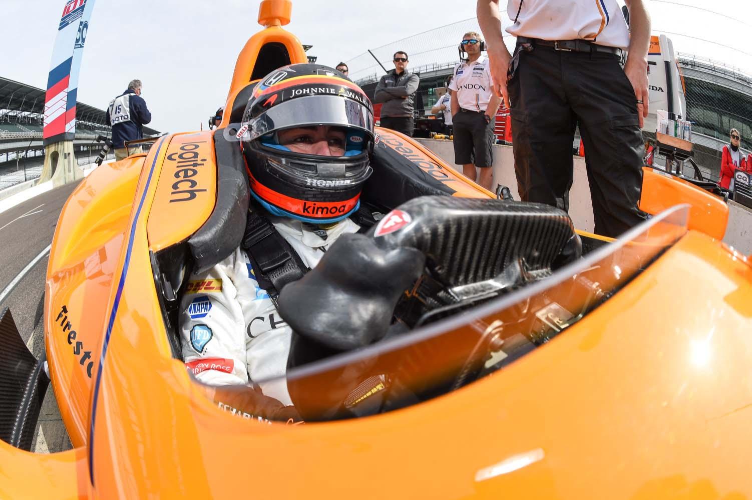Фернандо Алонсо негираше дека се префрлa во IndyCar серијата