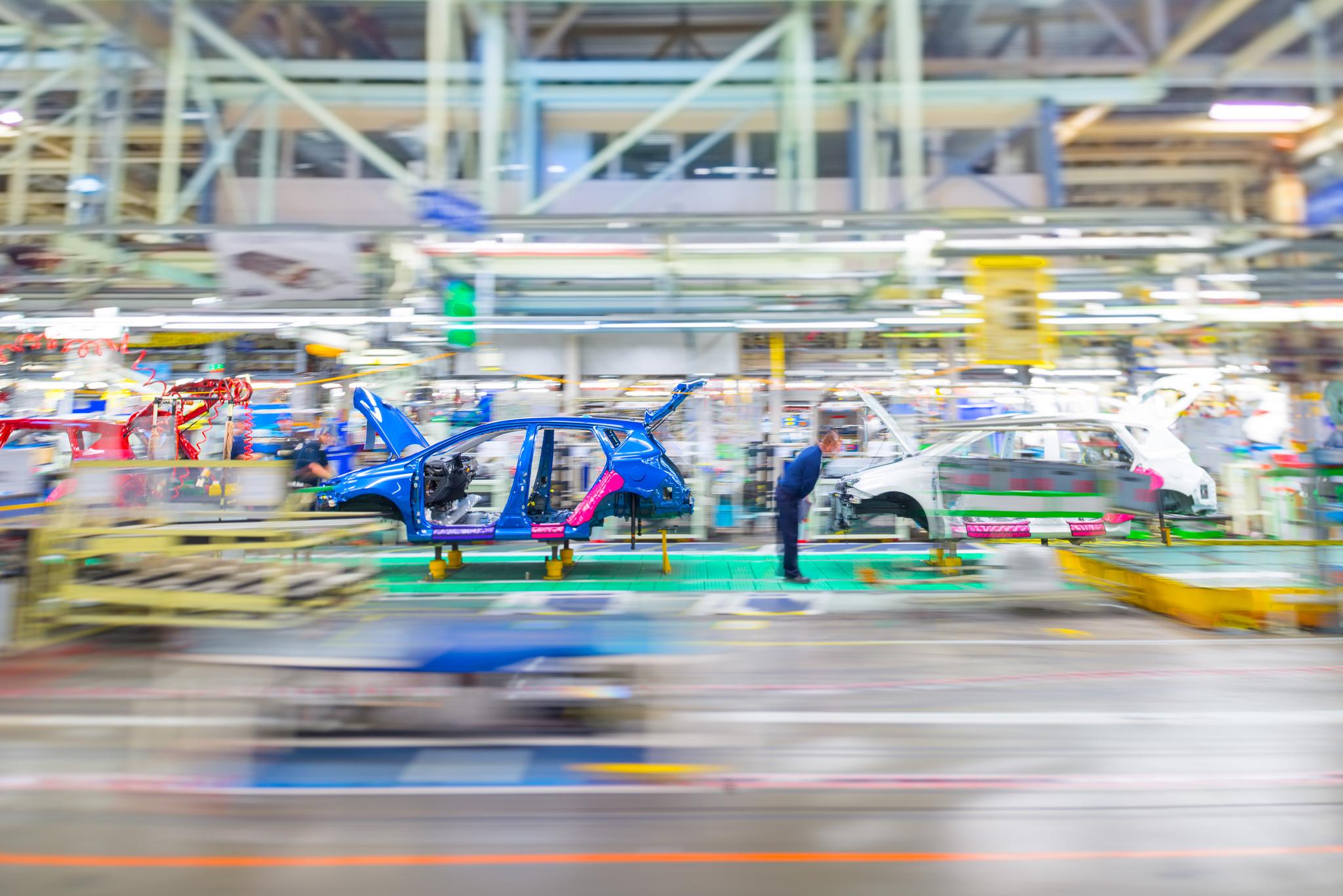 Јапонските автомобилски производители со закана дека ќе заминат од британските фабрики