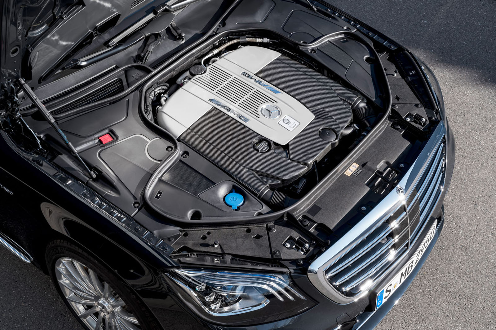 """Крајот на една ера: Mercedes-AMG го """"убива"""" V12"""
