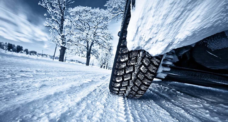Што подразбира законската обврска за задолжително носење на зимска опрема / ВИДЕО