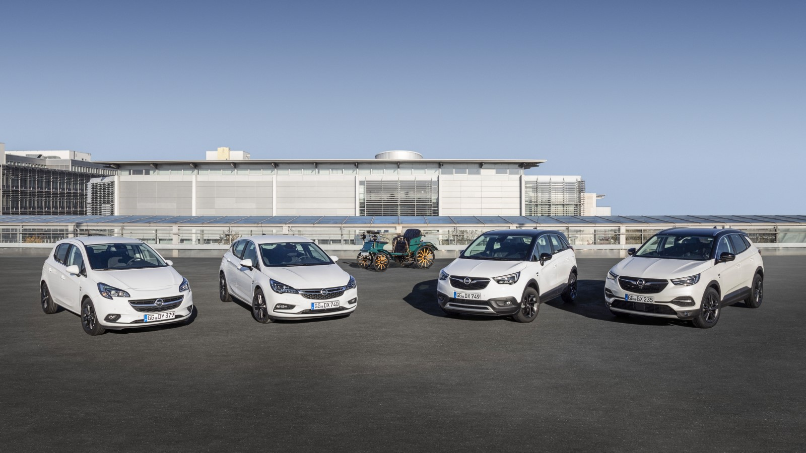 """Нарачајте ја својата верзија на Opel """"120 Years"""""""