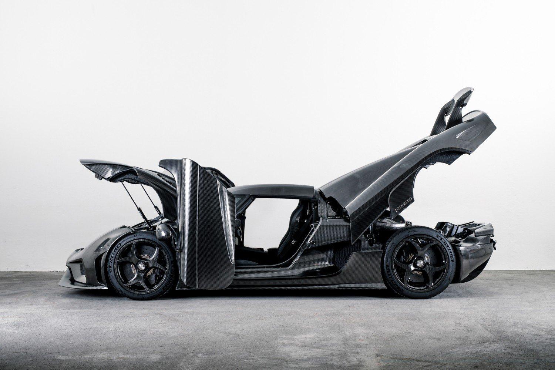 """Првиот автомобил изработен од """"голи"""" јаглеродни влакна"""