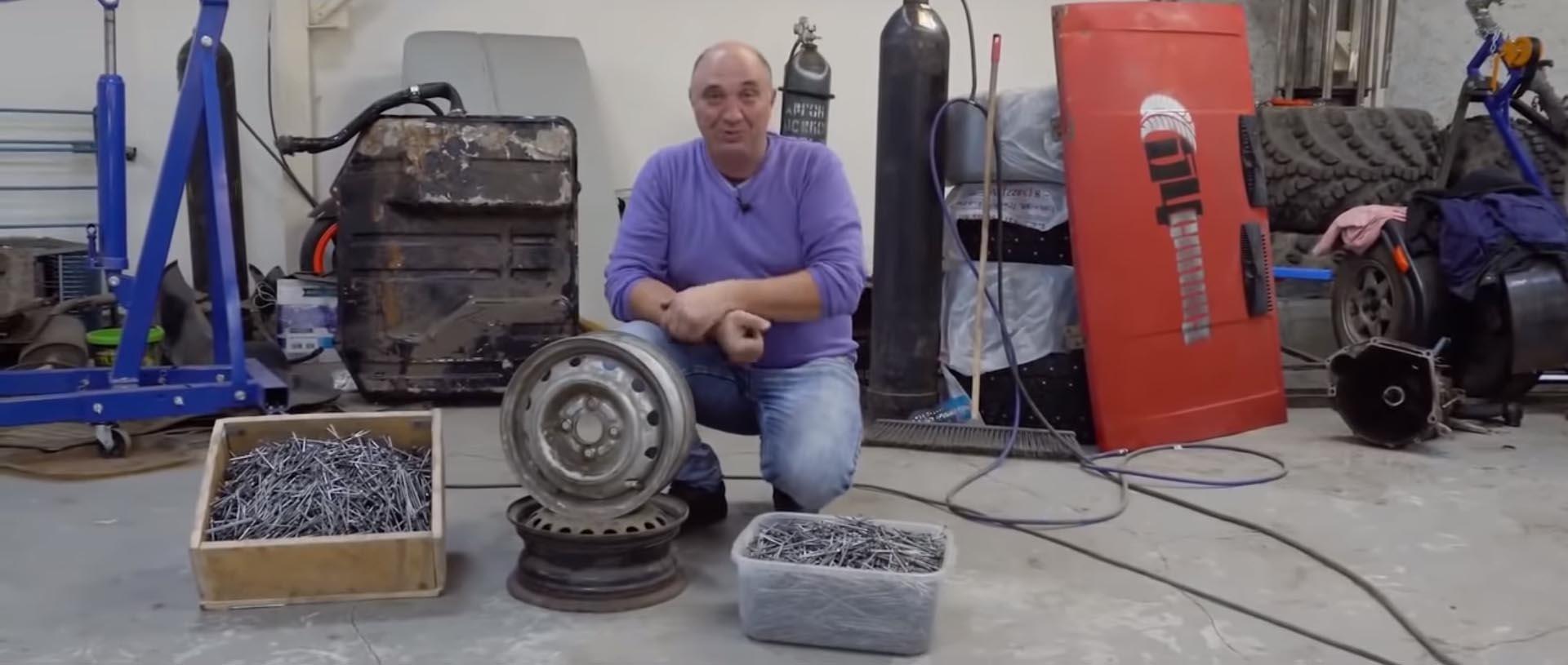 Руска направија. 3000 клинци на челична фелна како зимска гума! / ВИДЕО