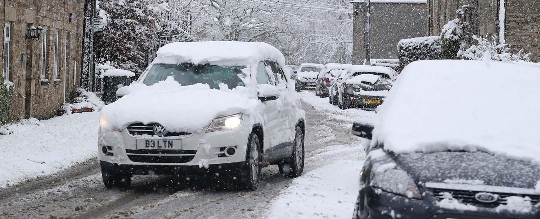 Неисчистениот снег од вашиот автомобил, може да предизвика штета на друг