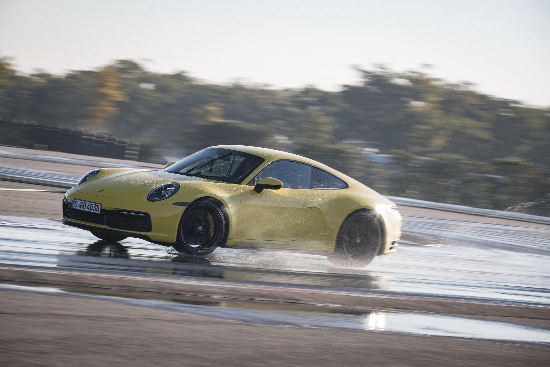 На повидок нов скандал: Porsche 911 емитува многу повеќе штетни гасови од декларираното