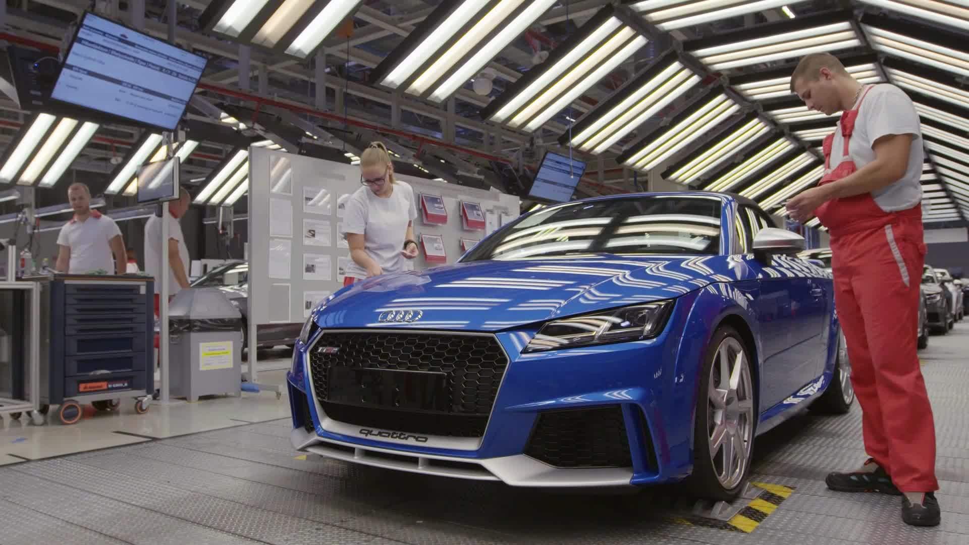 И главната фабрика на Audi престана со работа