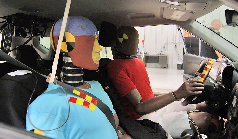 Како да се заштитат патниците од секундарен судир?