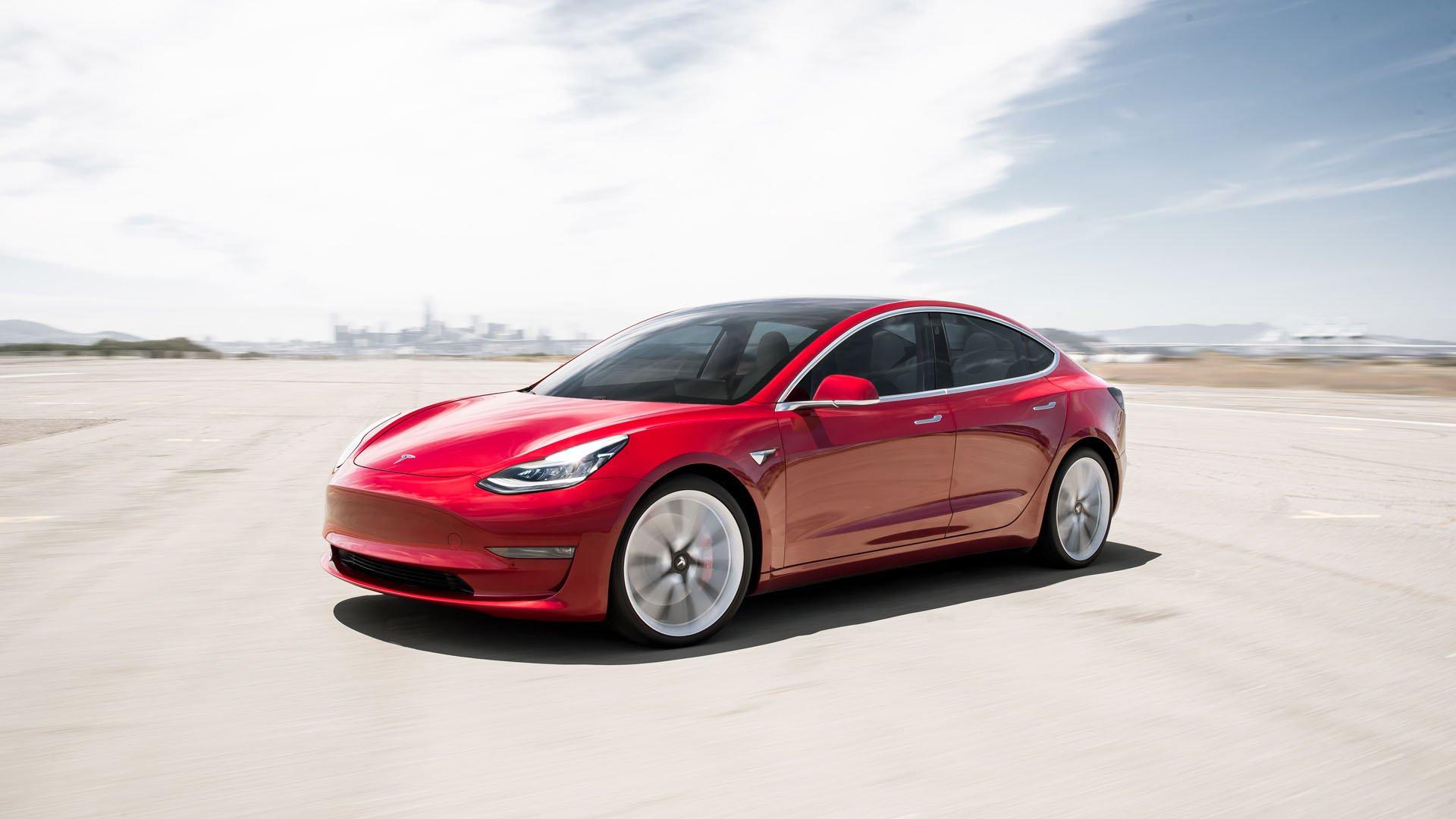 Tesla Model 3 конечно доаѓа во Европа