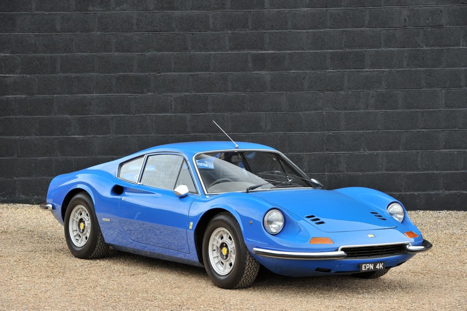 Само за колекционери: Се продава редок примерок од Ferrari Dino