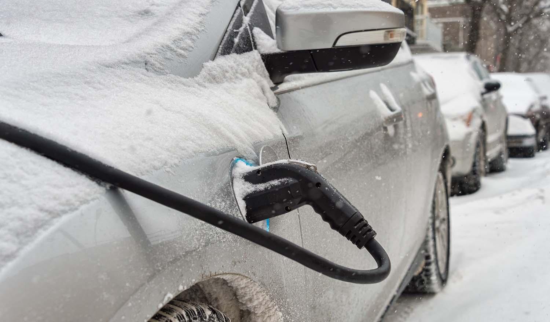 Истражување: Ниските температури ја намалуваат автономијата на електричните возила до 44%