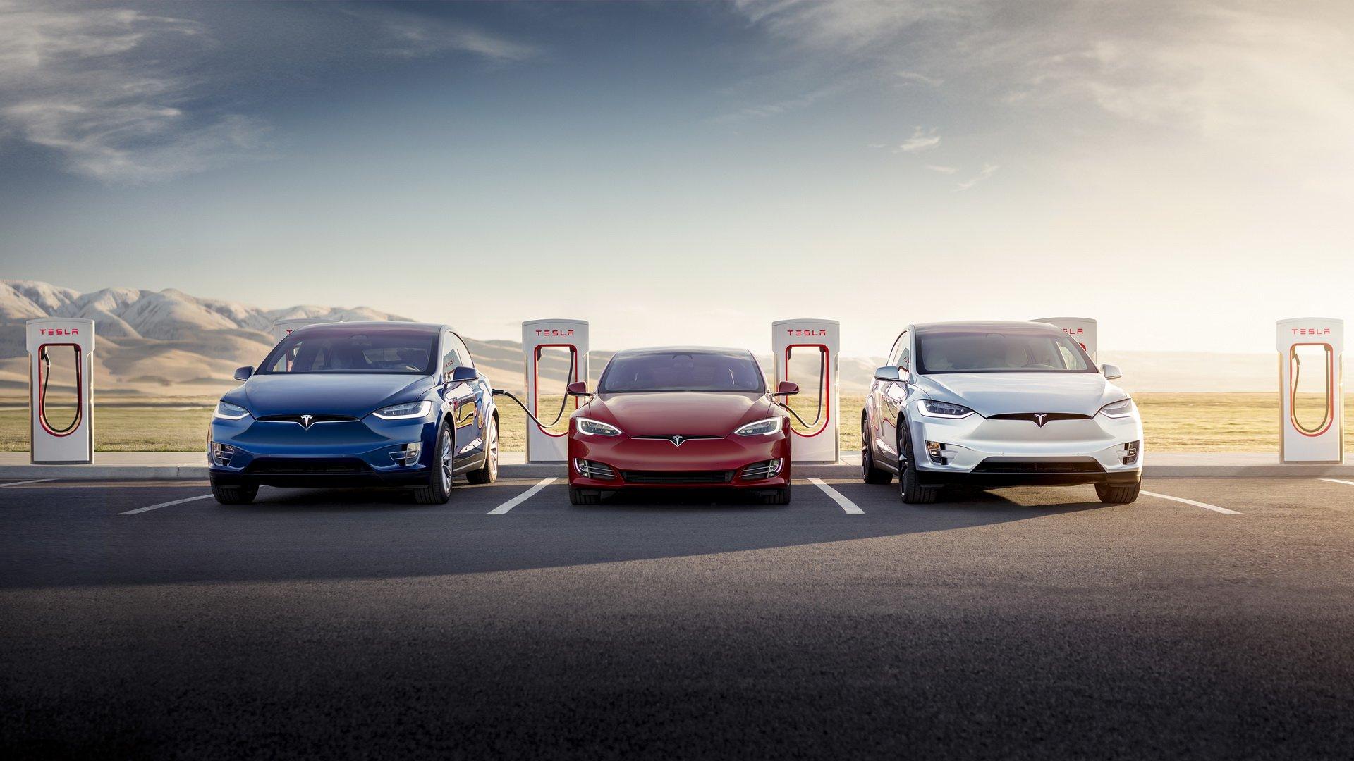 Tрета генерација на суперполначи од Tesla – 5 минути за 120 километри / ВИДЕО