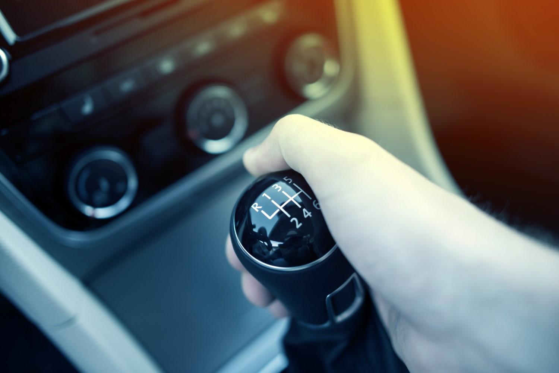 Како автомобилските технологии не прават поглупави