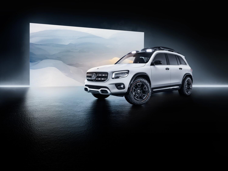 Концептот Mercedes-Benz GLB на увид на јавноста