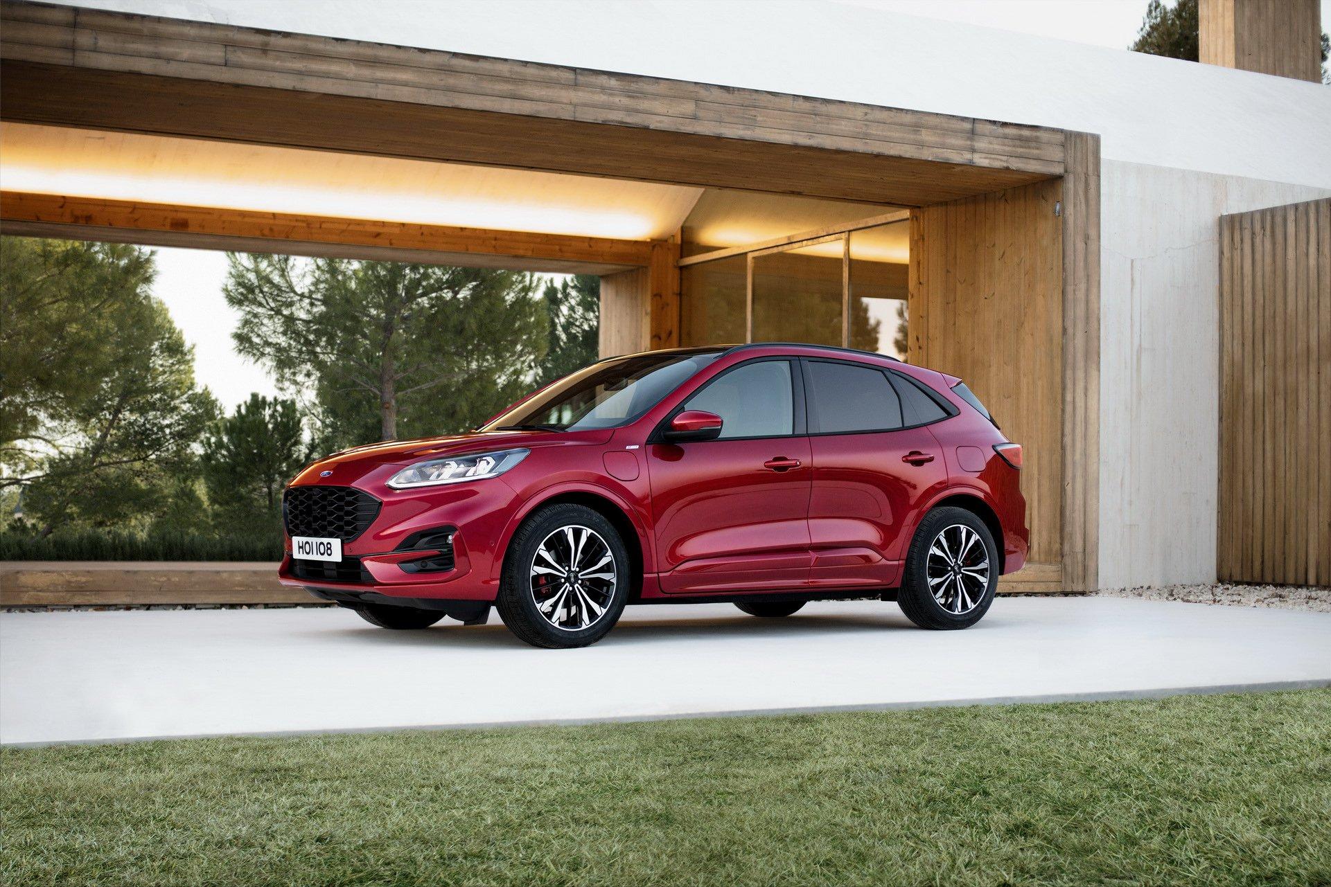 Ford Kuga за 2020 година со поинаков нов изглед / ФОТО