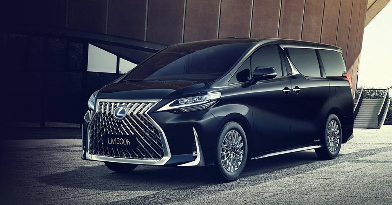 Деби за првиот луксузен Lexus миниван во историјата / ВИДЕО