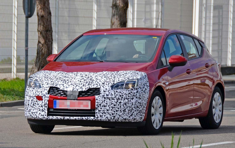 Opel подготвува редизајн на Astra, но без драматични промени