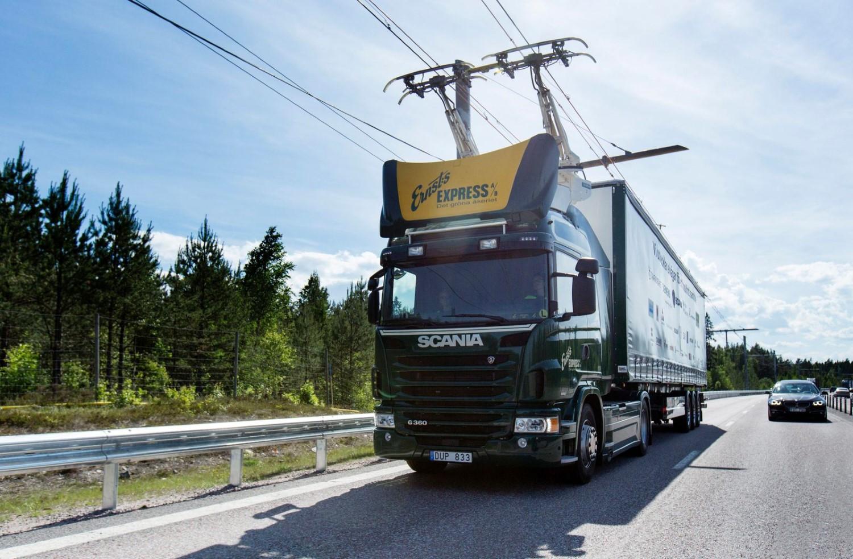 """Германија претстави """"електричен автопат"""" за хибридни камиони вреден 14 милиони евра / ВИДЕО"""