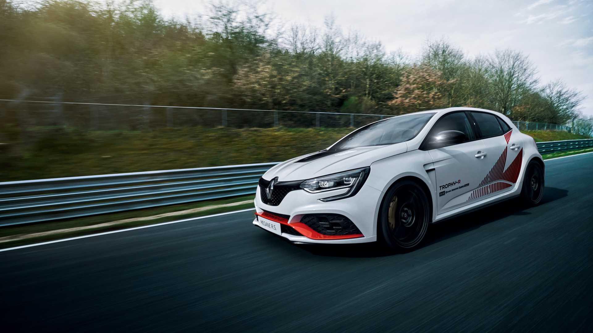 Возење за паметење: Renault Megane повторно го освои Нирбургринг