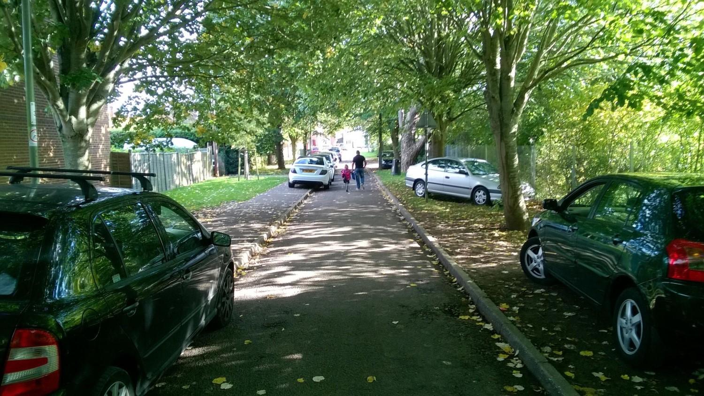 Се воведува целосна забрана за паркирање на тротоар