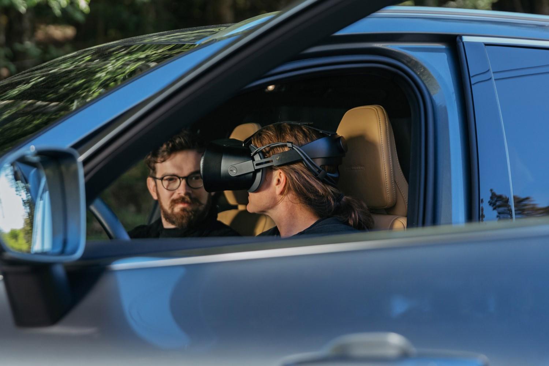 """Volvo развива нови автомобили со помош на очила за """"мешовита реалност"""""""