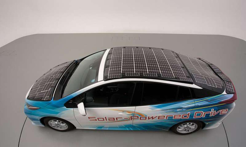 Toyota Prius добива сончева енергија за продолжување на автономијата