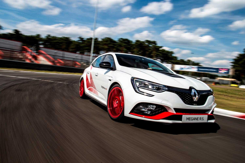 Renault откри детали за Megane RS Trophy-R