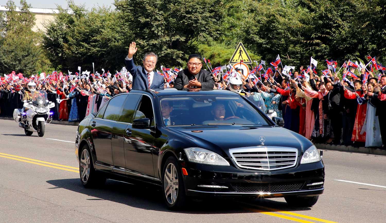 Како двете блиндирани возила на Maybach и покрај санкциите стигнале во Северна Кореја?