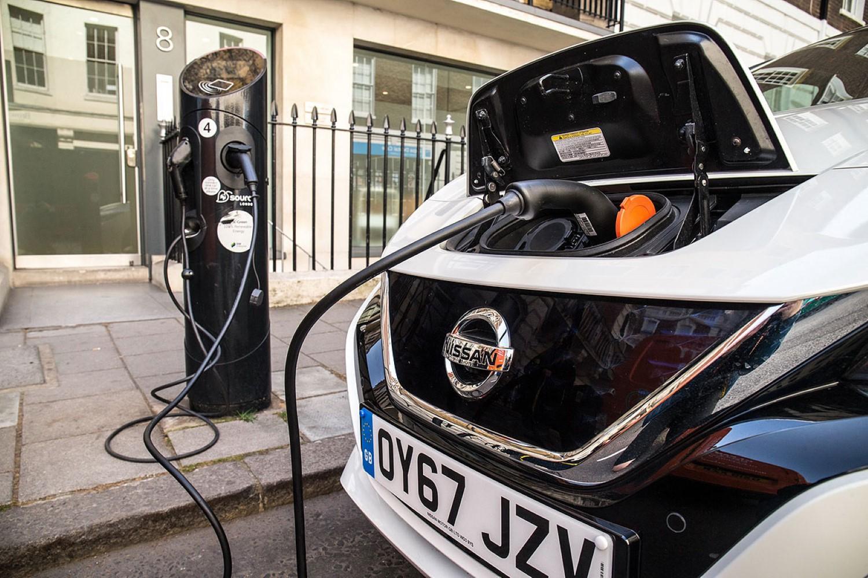 Оваа земја е рај на електрични автомобили: имаат повеќе електрични полначи од бензински пумпи