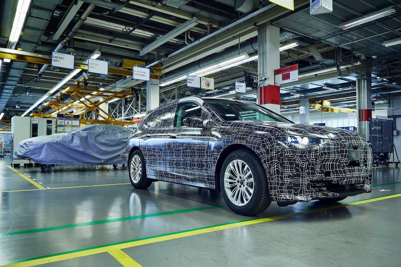 BMW ја тестира технологијата за производство на iNext / ВИДЕО