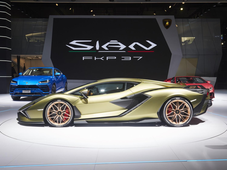Поглед во иднината на супербрендот: премиера за Lamborghini Sian / ФОТО+ВИДЕО