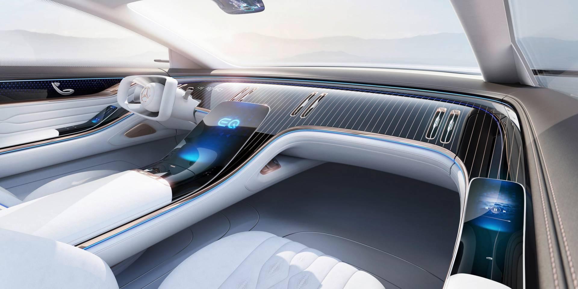 Футуристички концепт кокпит на Mercedes со огромен екран