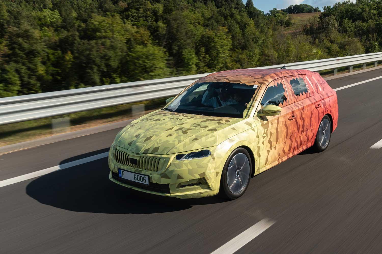 Новата Škoda Octavia ќе биде уште попространа, со нови технологии и ефикасни мотори